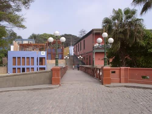 El Puente de los Suspiros en Barranco Lima Peru